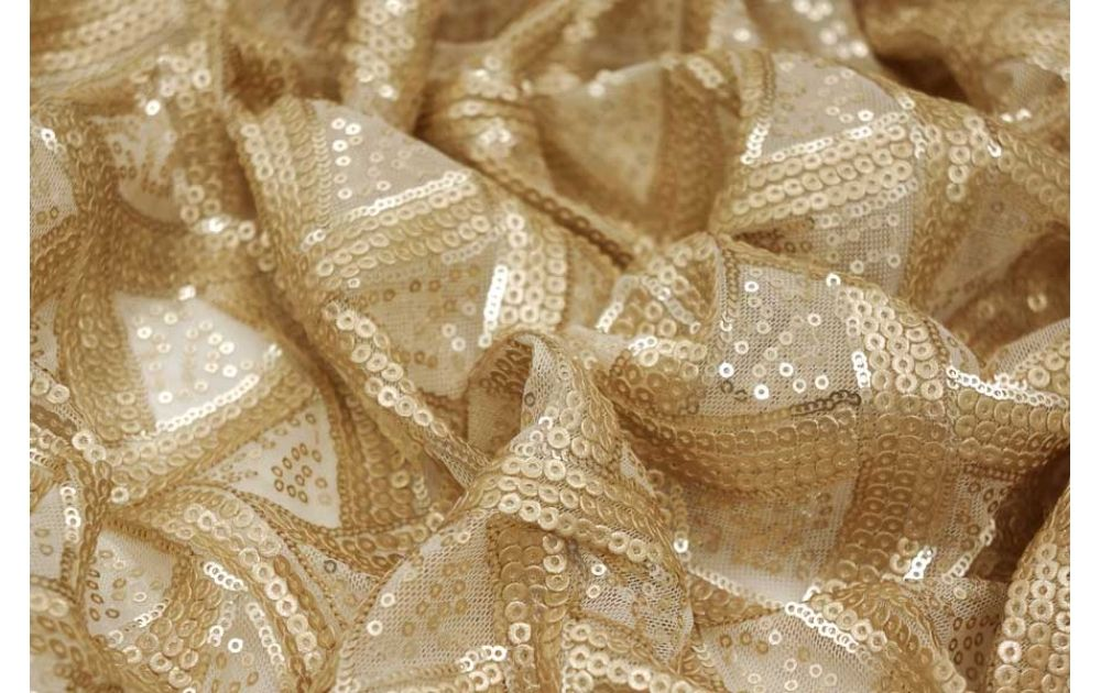 Пайетки: красиво, но как это шить?