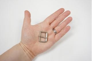 Пряжка серебристая матовая 30х24 мм PRT-(Q)- 06122010