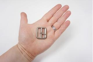 Пряжка серебристая матовая 30х27 мм PRT-(Q)- 06122011