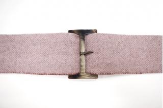 Пряжка пластик серо-коричневая под рог 75х45 мм 21122016