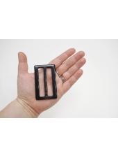 Пряжка пластик темно-коричневая под рог 75х45 мм 21122021