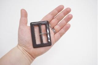 Пряжка пластик шоколадная 70х50 мм 21122022