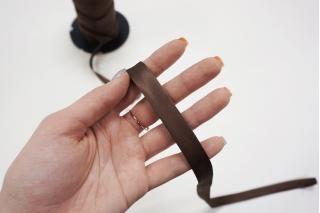 Косая бейка ацетатная 13 мм шоколадная PRT 25082026 к01