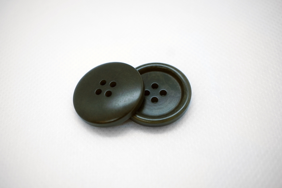 Пуговица пластик зеленая 25 мм PRT 04032001
