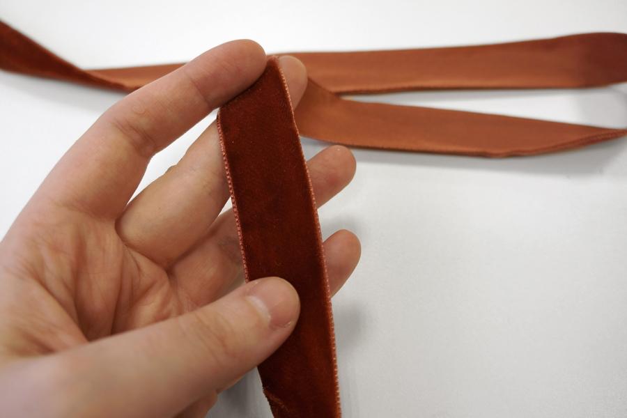 Лента бархатная 23 мм коричневая PRT 29042019