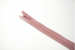 Молния пыльно-розовая потайная 60 см YKK 03032123