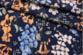 Креповая вискоза цветы на темно-синем TXT-H5 14022145