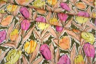 Креповая вискоза тюльпаны на зеленом фоне MII-H30 04082136
