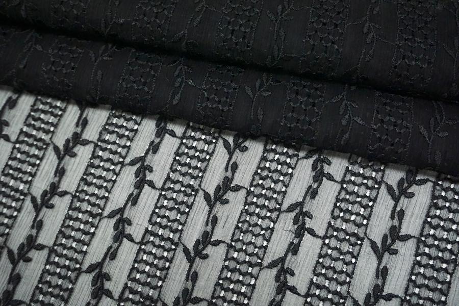 Шифон шелковый-креш с шитьем черный TRC-O50 01072101