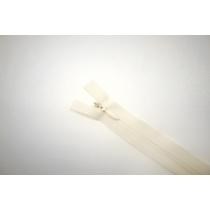 Молния потайная молочная 40 см YKK E18 16092155