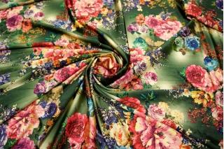 ОТРЕЗ 2,2 М Холодный трикотаж цветы на зеленом UAE-E6 5121715-1