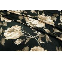 Искусственный шелк розы на черном UAE-E6 18121723