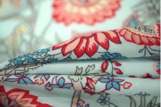 Штапель вискозный цветы на голубом MX-B4 10071806