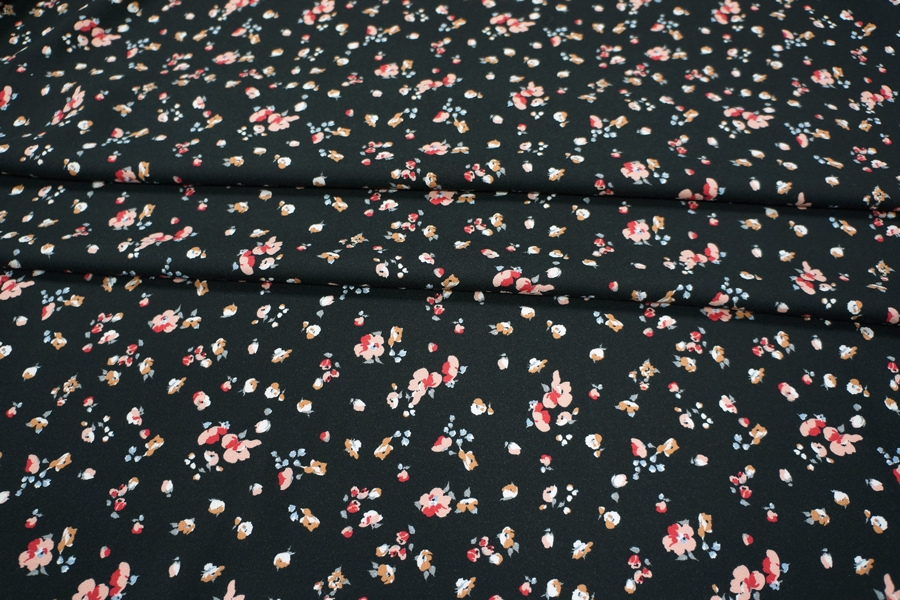 Креп вискозный цветочки на черном LEO-H3 18021911