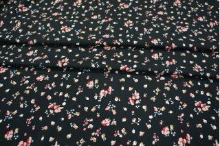 Креп вискозный цветочки на черном LEO-A6 18021911