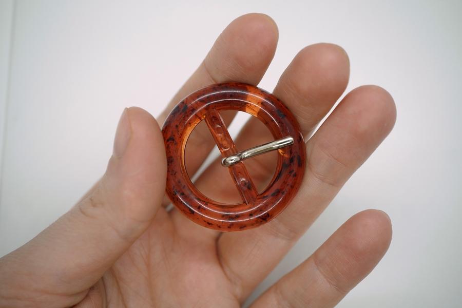 Пряжка пластик под янтарь круглая PRT 4018