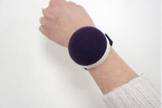 Игольница на руку, с ремешком на липучке, без упаковки 611341